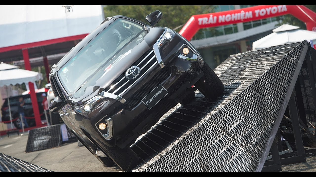 Autodaily.vn | Thử sức Fortuner mới trong Toyota Road Caravan 2017